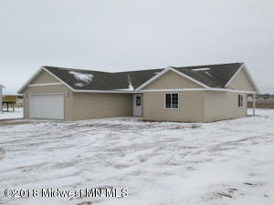 110 Cozy Oak Drive W, Ottertail, MN 56571