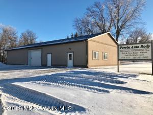 12 6th Avenue NE, Pelican Rapids, MN 56572