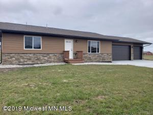 822 9th Avenue SW, Perham, MN 56573