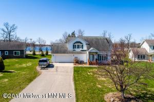 1306 Bayridge Drive, Detroit Lakes, MN 56501