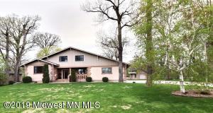 7145 Woodland Circle, Fargo, ND 58104