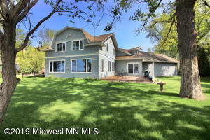 421 N Shore Drive, Detroit Lakes, MN 56501