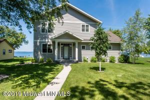 39501 Clearmont Rd, Battle Lake, MN 56515