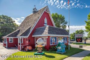 1220 N Union Avenue, Fergus Falls, MN 56537