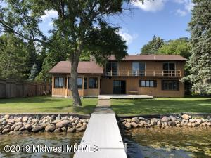 25014 Newport Beach Road, Detroit Lakes, MN 56501