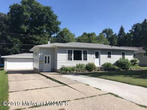 1011 Oak Grove Avenue, Detroit Lakes, MN 56501