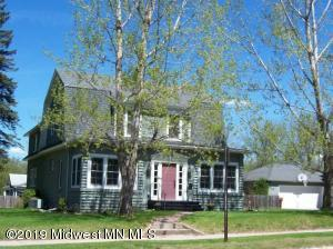 320 Willow Street E, Detroit Lakes, MN 56501