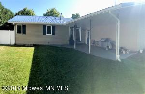 330 5th Street NE, Perham, MN 56573
