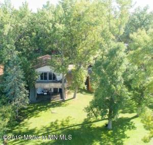 38411 W Wagon Trail, Battle Lake, MN 56515