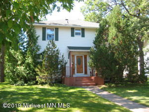 928 Summit Avenue, Detroit Lakes, MN 56501