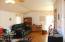 11.5' x 22.5' living room