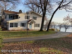 1106 W Lake Drive, Detroit Lakes, MN 56501