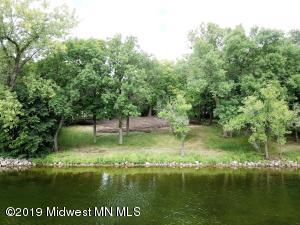 Middle Cormorant Lake Lot