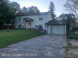 303 Oak Street, Dent, MN 56528