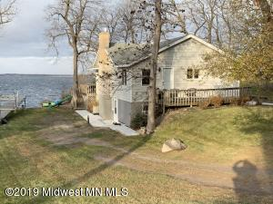 1324 E Shore Drive, Detroit Lakes, MN 56501