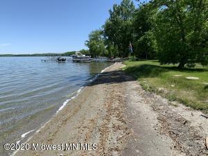 101' on Lake Sallie
