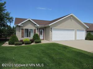 607 10th Street W, Park Rapids, MN 56470
