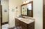 jack & jill bath between 2 lower level bedrooms!