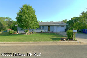 425 W Everett Avenue, Fergus Falls, MN 56537
