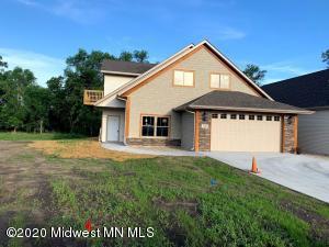 2186 Shady Lane, 40, Detroit Lakes, MN 56501