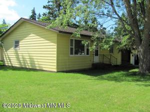 437 4th Avenue SW, Perham, MN 56573
