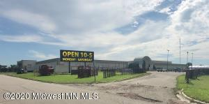 906 S Highway 10 Drive, Lake Park, MN 56554