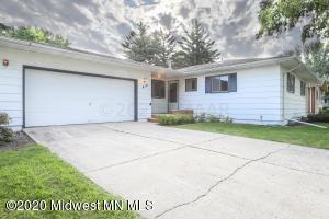 418 Horn Avenue, Moorhead, MN 56560