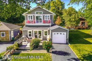 1074 W Lake Drive, Detroit Lakes, MN 56501