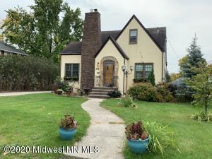 331 Willow Street E, Detroit Lakes, MN 56501