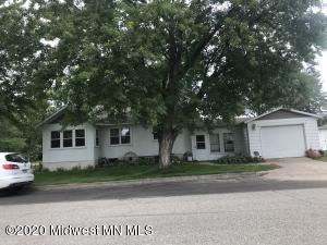 418 3rd Street SW, Wadena, MN 56482
