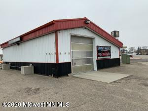 600 N Washington Avenue, 864 sq ft, Detroit Lakes, MN 56501