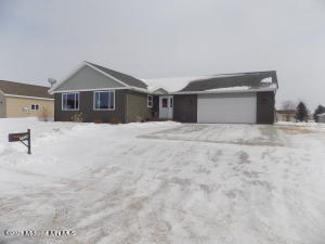 1208 8th Avenue NW, Perham, MN 56573