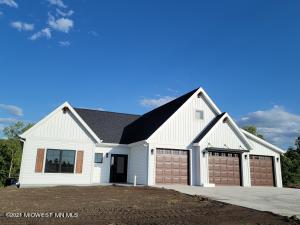 101 Altavista Drive, Detroit Lakes, MN 56501
