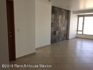 Departamento En Rentaen Huixquilucan, Jesus Del Monte, Mexico, MX RAH: 18-104