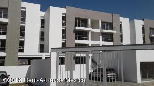 Departamento En Rentaen Huixquilucan, Bosque Real, Mexico, MX RAH: 18-113