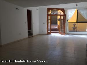 Casa En Rentaen Naucalpan De Juarez, Ciudad Satelite, Mexico, MX RAH: 18-202