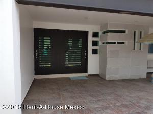 Casa En Ventaen Naucalpan De Juarez, Lomas Verdes, Mexico, MX RAH: 18-207