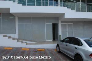 Local Comercial En Rentaen Queretaro, Bugambilias, Mexico, MX RAH: 18-211