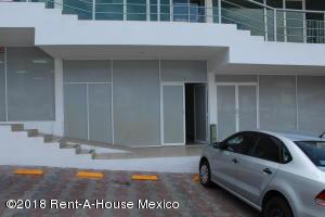 Local Comercial En Rentaen Queretaro, Bugambilias, Mexico, MX RAH: 18-213