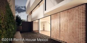 Casa En Ventaen Naucalpan De Juarez, Lomas Verdes, Mexico, MX RAH: 18-307