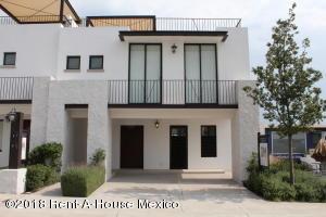 Casa En Ventaen Queretaro, Juriquilla, Mexico, MX RAH: 18-315