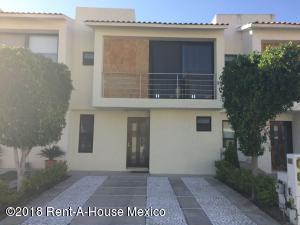 Casa En Rentaen Queretaro, Santa Fe De Juriquilla, Mexico, MX RAH: 18-347