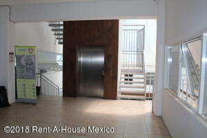 Local Comercial En Rentaen Queretaro, Arboledas, Mexico, MX RAH: 18-349