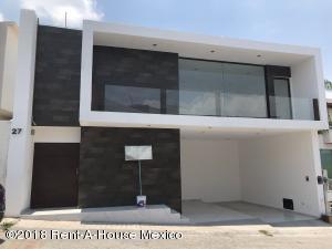 Casa En Ventaen Queretaro, Milenio 3Era Seccion, Mexico, MX RAH: 18-369