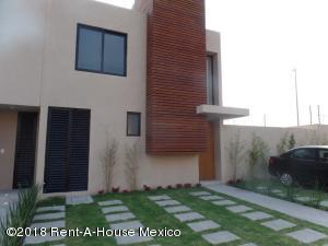 Casa En Rentaen Queretaro, El Refugio, Mexico, MX RAH: 18-397