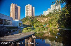 Departamento En Ventaen Huixquilucan, Bosque Real, Mexico, MX RAH: 18-416