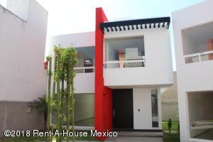 Casa En Ventaen Queretaro, Milenio 3Era Seccion, Mexico, MX RAH: 18-475