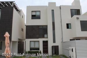 Casa En Ventaen Queretaro, El Mirador, Mexico, MX RAH: 18-483