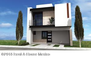 Casa En Ventaen El Marques, Zibata, Mexico, MX RAH: 18-492