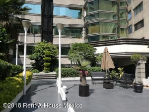 Departamento En Rentaen Miguel Hidalgo, Bosques De Chapultepec, Mexico, MX RAH: 18-594
